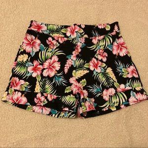 Lindy Bob black tropical floral shorts